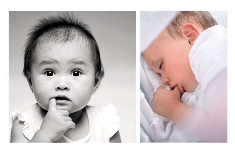 30_PORTRAIT_ENFANT_BEBE_POUCE_SIESTE_REGARD